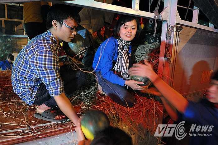 Theo kế hoạch, ngày 12/4, nhóm tình nguyện sẽ đi về với các xã chuyên canh dưa hấu của tỉnh Quảng Ngãi để thu mua trợ giá cho bà con nông dân với mức giá hỗ trợ.
