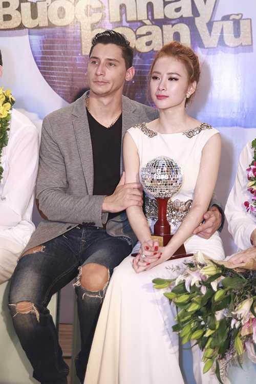 Angela Phương Trinh khóc khi chỉ giành được giải nhì.