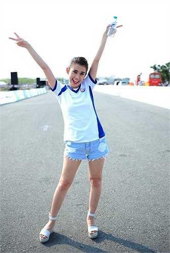 ot girl Ngọc Thảo cũng thích thú với sự kiện thể thao do gia đình diễn viên Tăng Thanh Hà tổ chức.