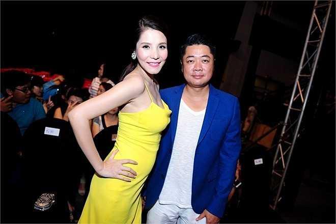 Kiwi Ngô Mai Trang và ông xã hào hứng đến xem đêm chung kết. Nguồn: Zing