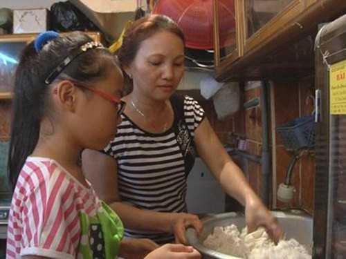 Cuộc sống của gia đình Phương Mỹ Chi đã đỡ vất vả hơn nhiều sau khi giành được ngôi á quân Giọng hát Việt.