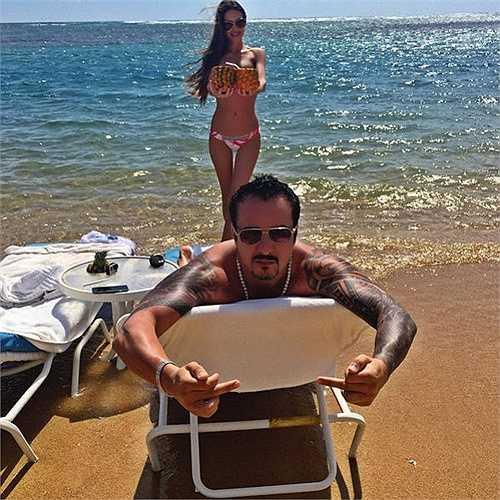 Hay những chuyến nghỉ dưỡng ở bên bờ biển nhiệt đới nóng bỏng