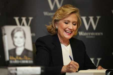 Bà Hillary Clinton và cuốn hồi ký Hard Choices