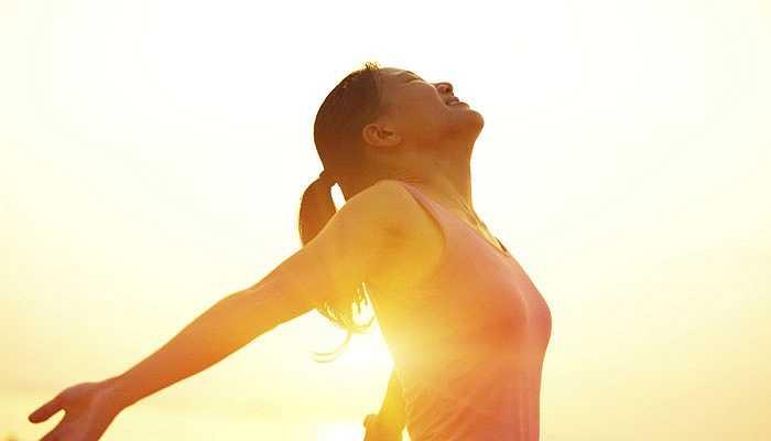 6. Tăng vitamin D và lượng canxi: Vitamin D và caxi thực sự cần thiết để ngăn ngừa nguy cơ ung thư xương. Bạn có thể bổ sung vitamin D từ thực phẩm hoặc các nguồn khác nhau. Ngoài ra, bổ sung caxi một hoặc hai lần trong một tuần để ngăn chặn nguy cơ ung thư xương.
