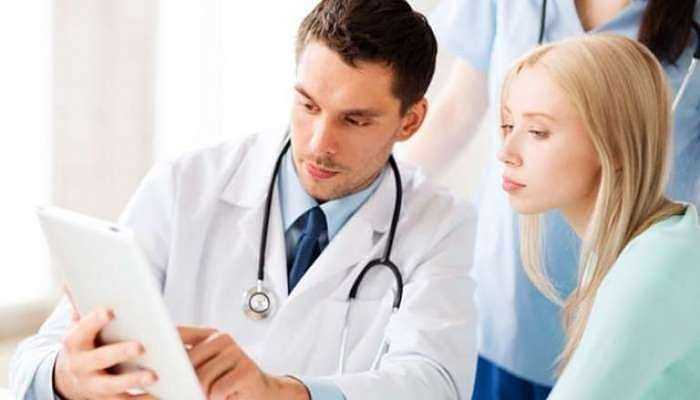 7. Đừng bỏ qua những cơn đau: Khi cơ thể xuất hiện những cơn đau dù nhỏ nhất thì bạn vẫn cần được kiểm tra sức khỏe. Điều này có thể là triệu chứng báo hiệu cơ thể đang gặp nhiều vấn đề nguy hiểm khác. Luôn luôn cảnh giác với tất cả các dấu hiệu khác của bệnh ung thư. Chỉ cần bạn giữ gìn, quan tâm và chăm sóc sức khỏe thì bạn có thể ngăn chặn căn bệnh này một cách hiệu quả.