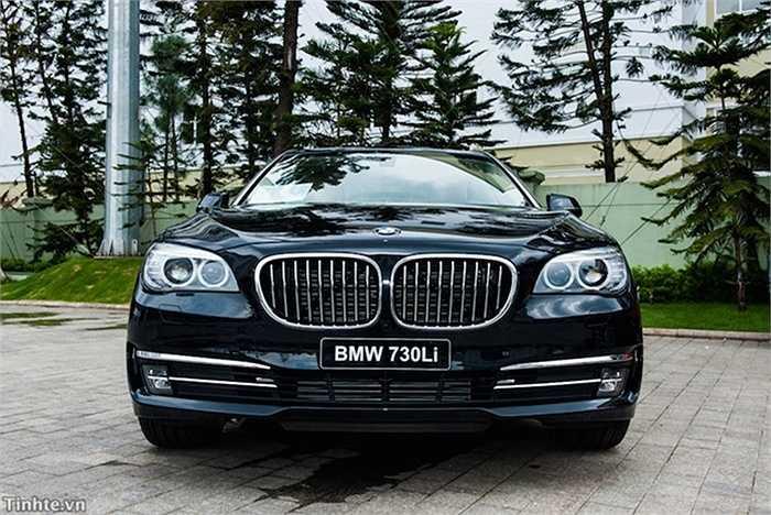 Ở Việt Nam, mẫu xe này được nhập khẩu chính hãng với giá 4,219 tỉ đồng.