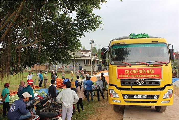 Trong vài ngày tới, sẽ có thêm nhiều chuyến xe tiêu thụ dưa hấu cho bà con nông dân Quảng Ngãi. Một cơ hội mở ra cho người nông dân Đà Nẵng trong thời gian tới.