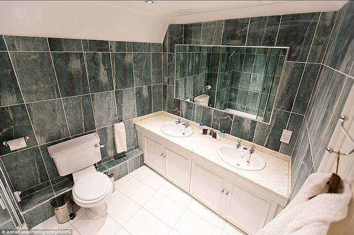 Giá phòng mỗi đêm khoảng 450 bảng Anh, trong đó những phòng hạng sang có thể hơn 1.000 bảng Anh