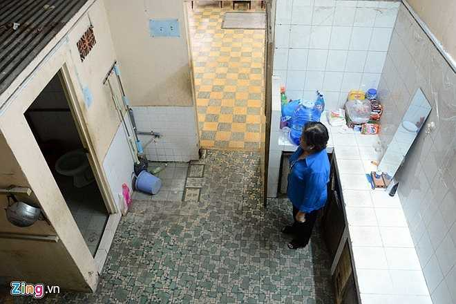 Ông Căn đã mất từ năm 2003. Gia đình ông (gồm 17 người) vẫn ở tại căn nhà này, nhưng từ nhiều năm qua căn nhà xuống cấp, nhân khẩu ngày càng tăng nên hoạt động, sinh hoạt của gia đình gặp một số khó khăn, bất tiện. Vì vậy, UBND thành phố đã chấp thuận hoán đổi cho gia đình sang căn nhà mới số 390 Nguyễn Chí Thanh, quận 10. Hầm bí mật chứa vũ khí trong thời kỳ chống Mỹ (1965 - 1975) - di tích lịch sử - văn hóa quốc gia này được UBND quận 10 đưa vào làm địa điểm tham quan phục vụ cho nhân dân và d