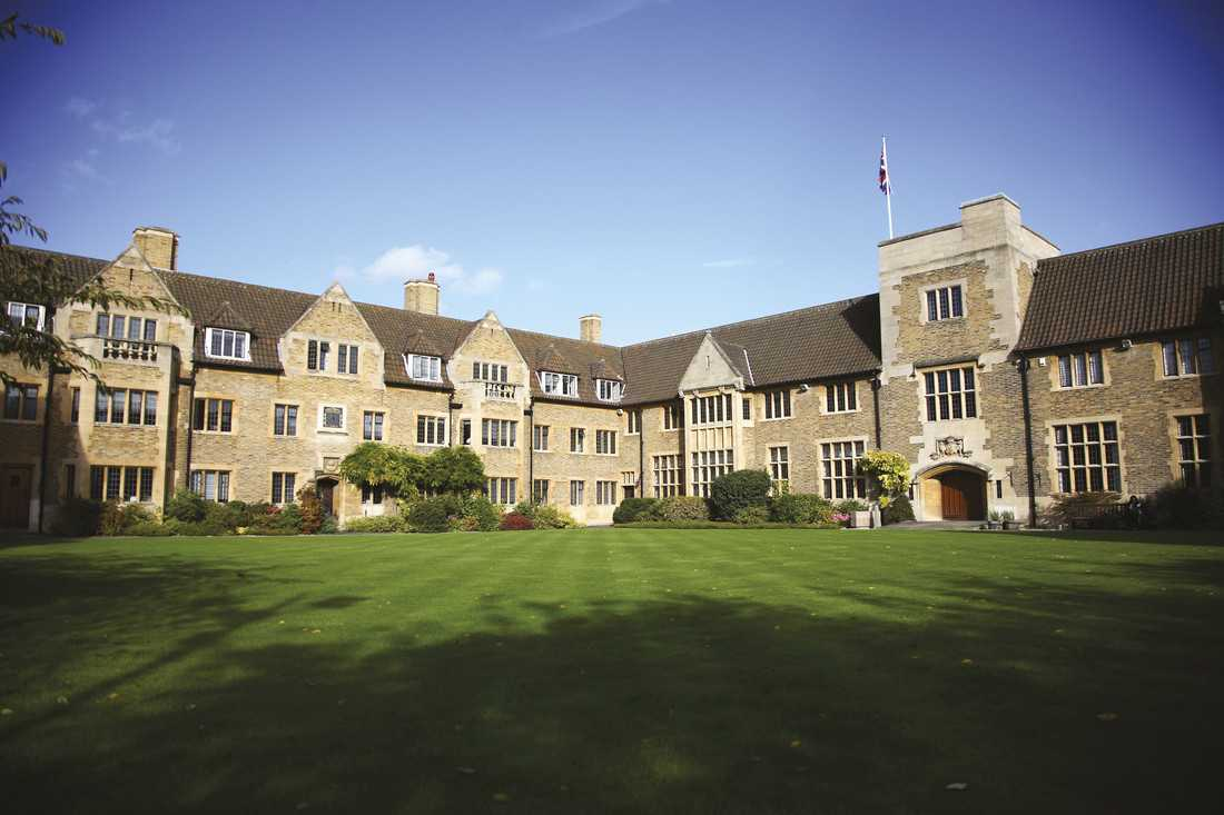Một góc trường Bellerbys Cambridge