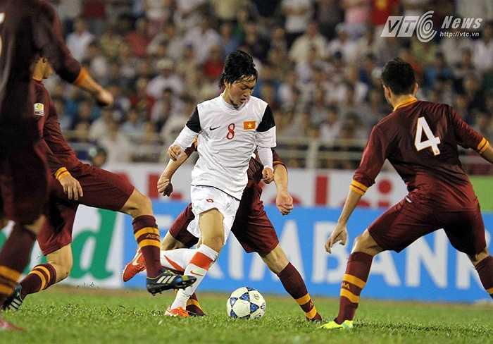 Tuấn Anh mở đầu năm 2014 bằng giải đấu U19 Quốc tế TP.HCM cùng U19 Việt Nam. Anh thi đấu rất ấn tượng ở trận mở màn gặp U19 AS Roma. (Ảnh: Quang Minh)
