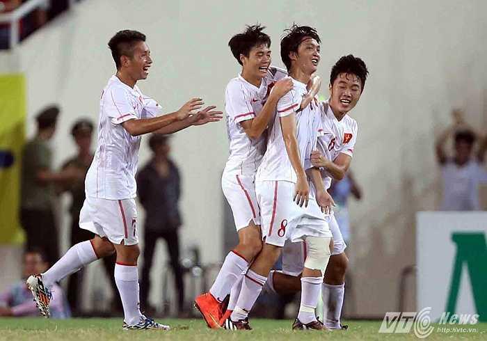 Một bàn thắng mà người hâm mộ phải chờ đợi khá lâu mới thấy ở tiền vệ quê lúa Thái Bình. (Ảnh: Quang Minh)