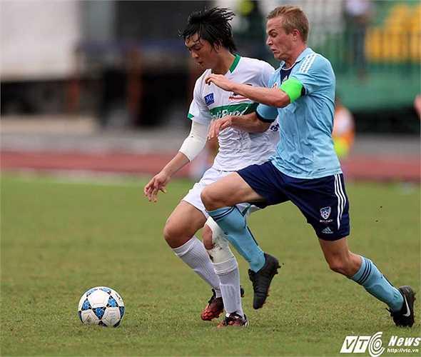 Ngay sau khi trở về từ giải U19 châu Á, Tuấn Anh khoác áo U19 HAGL dự giải U21 Quốc tế tại Cần Thơ. (Ảnh: Quang Minh)