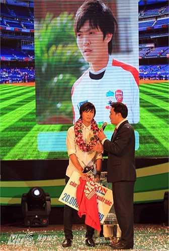 So với người đồng đội của mình ở U19 Việt Nam và HAGL là Nguyễn Công Phượng, năm vừa qua của không phải là năm 'gây bão' cả trong sân lẫn ngoài sân cỏ với Tuấn Anh. (Ảnh: VSI)