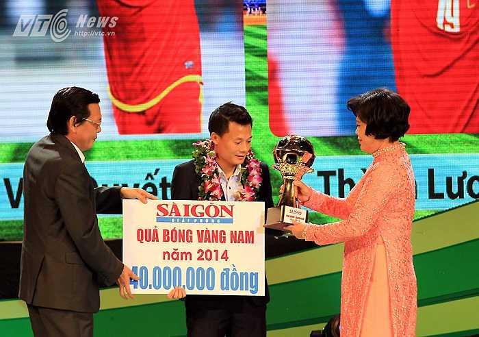 Còn Phạm Thành Lương với 255 điểm lần thứ 3 trong sự nghiệp giành danh hiệu Quả bóng Vàng.