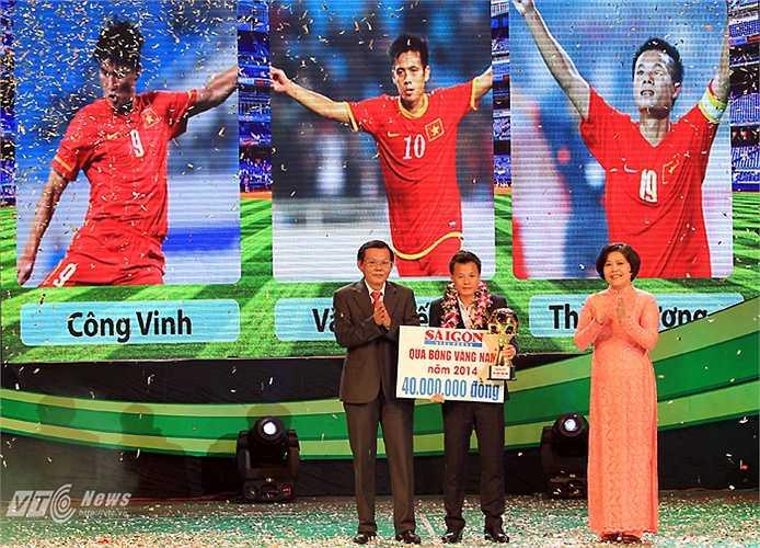 """Còn ở ĐTQG, tiền vệ có biệt danh """"sóc nhỏ"""" đã chơi bùng nổ, góp công lớn đưa ĐT Việt Nam lọt vào bán kết AFF Cup 2014."""