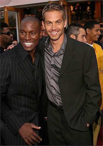 Paul và người bạn đồng nghiệp Tyrese Gibson trong buổi công chiếu 2 Fast 2 Furious năm 2003.