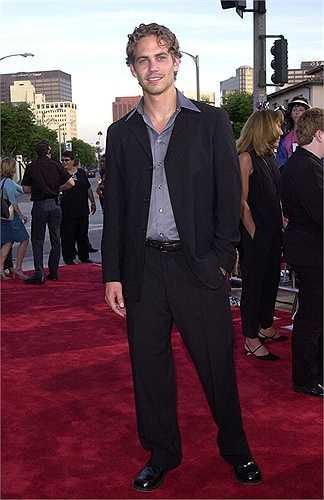 Paul xuất hiện với mái tóc xoăn vàng lãng tử khi tham gia buổi công chiếu The Fast and the Furious tại Los Angeles 2001.