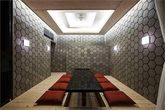Không gian phòng riêng có lối kiến trúc mở nhưng vẫn tạo được sự riêng tư.