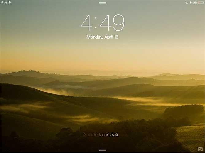 6. Dòng chữ 'Slide to unlock' luôn phát sáng từ trái sang phải để chỉ cho người dùng hướng để vuốt màn hình