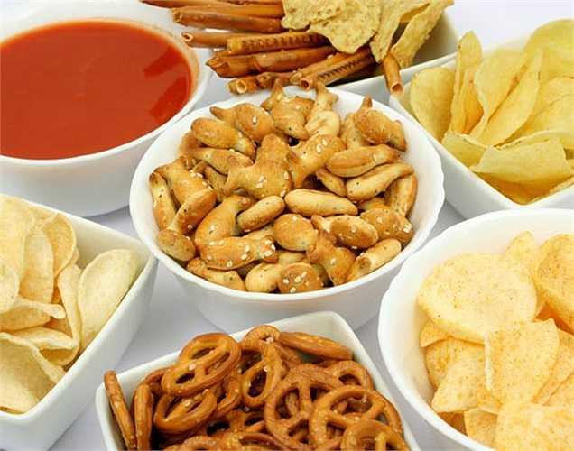 Đồ hộp: chất BPA là hóa chất được tìm thấy trong các lớp lót bên trong hộp đồ ăn, đây là chất có hại cho cơ thể.