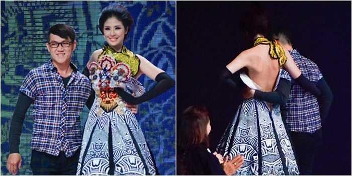 Trong đêm diễn thời trang cao cấp Xuân Hè Việt Nam 2014, váy của Ngọc Hân bất ngờ bị tuột khóa ngay trên sân khấu.