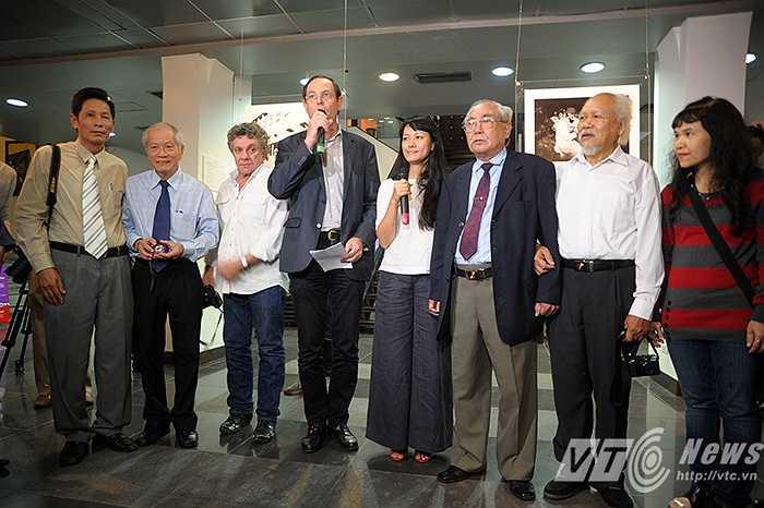 4 cựu phóng viên chiến trường bao gồm: Nhiếp ảnh gia Chu Chí Thành - cựu phóng viên ảnh Thông tấn xã Việt Nam, Đoàn Công Tính là cựu phóng viên báo Quân đội nhân dân, Mai Nam - cựu phóng viên báo Tiền Phong và Hứa Kiểm - cựu phóng viên ảnh Thông tấn xã Việt Nam.