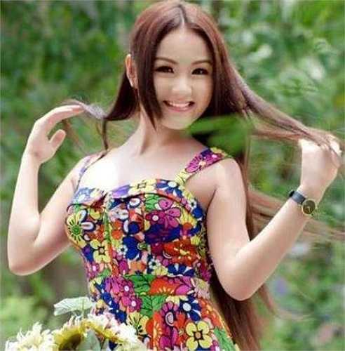 Thần tượng của cô ca sỹ trẻ này là Diva Thanh Lam.
