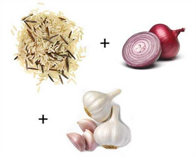 Ngũ cốc + hành + tỏi: Thực phẩm giàu lưu huỳnh như tỏi và hành tây có khả năng chuyển hóa dưỡng chất từ các loại hạt.