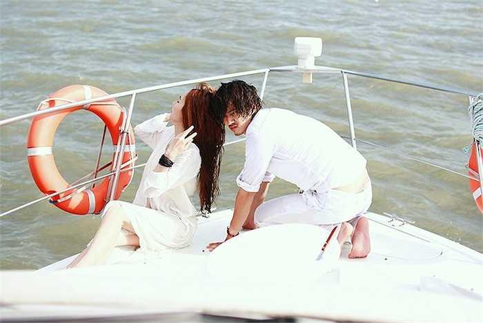 Trong phim cô có những cảnh quay trên du thuyền với Hà Việt Dũng. Đây là một trong những cảnh quay khó và nguy hiểm nhất.