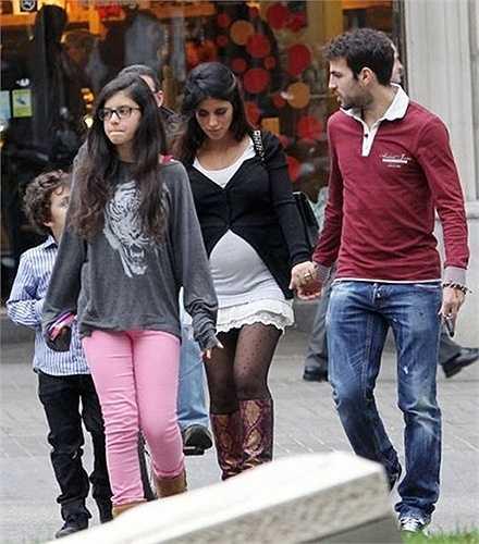 Daniella Semaan và người tình Fabregas vừa chào đón đứa con chung đầu tiên, cô công chúa Lia vào năm 2012