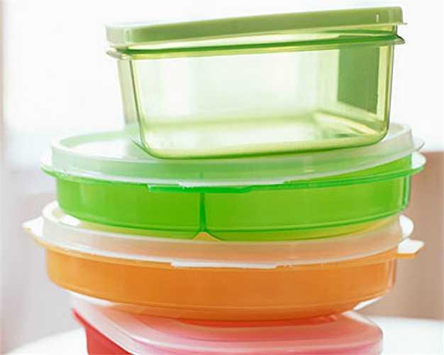 Đồ dựng thức ăn bằng nhựa cũ