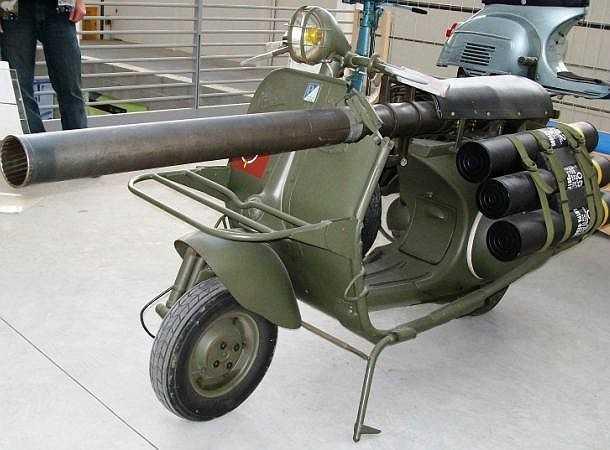 Vespa 150 TAP, do công ty ACMA (Pháp) chế tạo từ những năm 1950, được sử dụng cùng với lực lượng lính dù đặc biệt của Pháp. Được trang bị khẩu súng không giật M20 cỡ 75mm, Vespa 150 TAP có thể tấn công phá hủy các công sự tạm thời của đối phương
