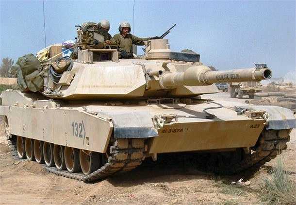 Được đưa vào biên chế từ năm 1980, M1 Abrams là loại xe tăng chủ lực thế hệ thứ 3 và là một trong những mẫu xe tăng lừng danh nhất thế giới, do hãng General Dynamics của Hoa Kỳ sản xuất