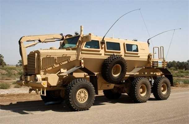 Buffalo là dòng xe bọc thép kháng mìn của Mỹ được thiết kế để tháo gỡ bom, thuốc nổ đặt trên đường do hãng Force Protection Induestries sản xuất