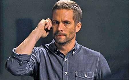 Đoạn cuối Fast & Furious 6, khi nghe tin Owen Shaw đang giữ Mia, Brian đã thể hiện sự phẫn nộ và xúc động trên gương mặt. Vì lúc ấy, Mia là tất cả mọi thứ đối với anh.