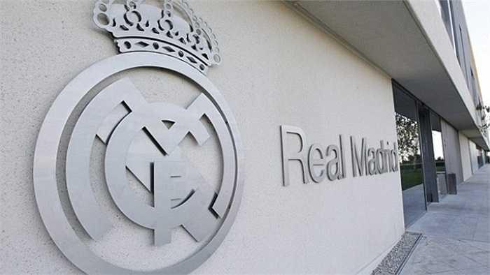 Hãng Adidas mới đây đã cho giới truyền thông được mở rộng tầm mắt khi dẫn vào thăm khu ăn tập của Real Madrid tại trung tâm Ciudad Real Madrid