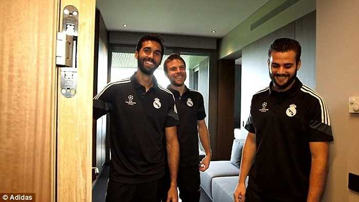 So với những khách sạn 5 sao và các villa hạng sang mà các cầu thủ đang ở, chỗ ăn tập mà Real Madrid đầu tư không hề thua kém