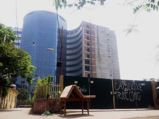 Bệnh viện quốc tế 50 triệu USD bỏ hoang