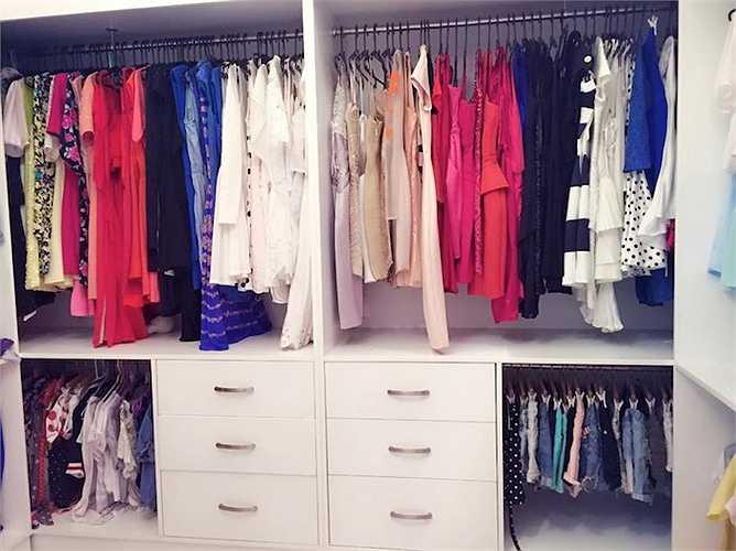 Cách đây ít giờ, Midu chia sẻ tủ đồ thời trang của mình khiến nhiều bạn trẻ ao ước.