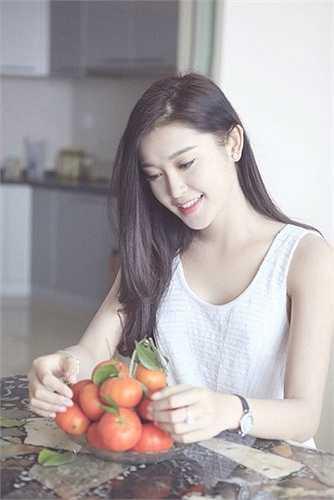 Tên tuổi của Huyền My càng nổi đình nổi đám hơn sau khi đăng quang Á hậu Việt Nam 2014.