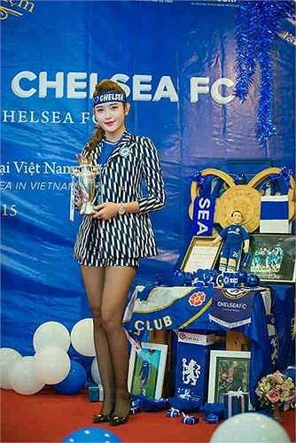 Huyền My chia sẻ, lý do trở thành fan cuồng của Chelsea xuất phát từ việc thần tượng thủ môn Petr Cech và đội trưởng John Terry.