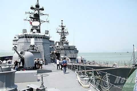chiến hạm, Nhật Bản, Đà Nẵng, tàu khu trục, Phòng vệ biển, JS KIRISAME (DD-104), JS ASAYUKI (DD-132)
