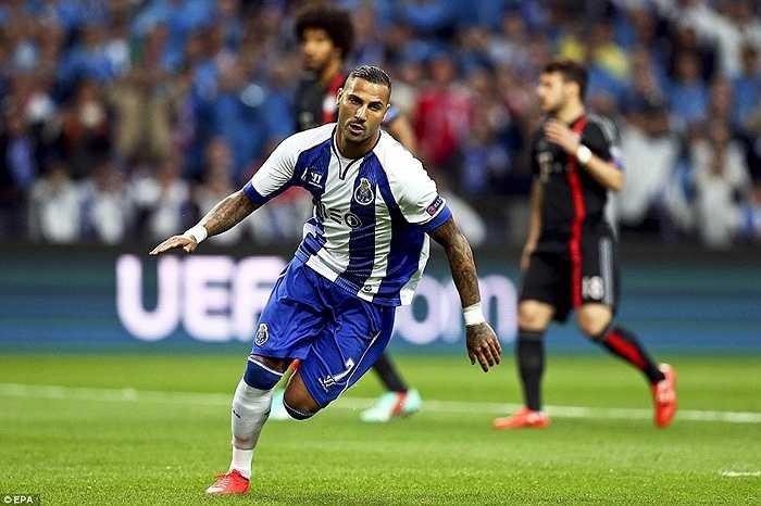 Porto khiến tất cả sững sờ