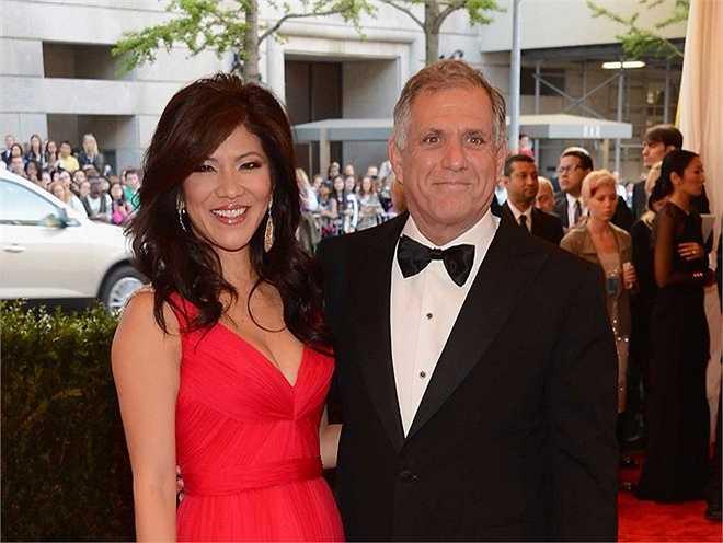 Julie Chen – phu nhân Les Moonves, chủ tịch kiêm CEO tại CBS: Chen là người dẫn chương trình lâu năm của show truyền hình trên CBS, Big Brother, và cũng là người đồng dẫn trên show The Talk.