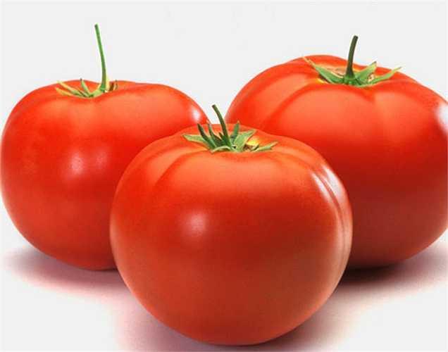 Cà chua: Cà chua chứa lycopene, một chất chống oxy hóa giúp ngăn ngừa ung thư tuyến tiền liệt. Các nghiên cứu đã tìm ra rằng những người đàn ông ăn nhiều cà chua (đặc biệt là cà chua nấu chín) ít có khả năng bị ung thư tuyến tiền liệt.