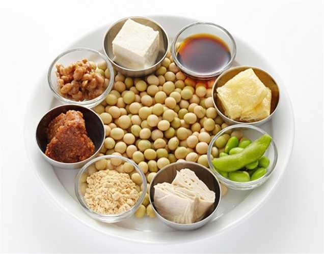 Các loại đậu: các loại đậu như đậu lăng, đậu phộng và đậu có chứa phytoestrogens, giúp ngăn chặn sự phát triển các tế bào u trong tuyến tiền liệt. Đặc biệt Đậu nành làm giảm nguy cơ phát triển ung thư tuyến tiền liệt.