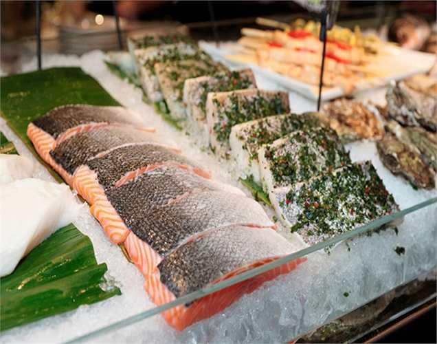 Cá: Cá có chứa hàm lượng cao các axit béo omega-3, omega-6 rất tốt. Các nghiên cứu đã tìm ra rằng những người đàn ông không ăn thì có  nhiều khả năng phát triển ung thư tuyến tiền liệt hơn những người ăn cá thường xuyên.