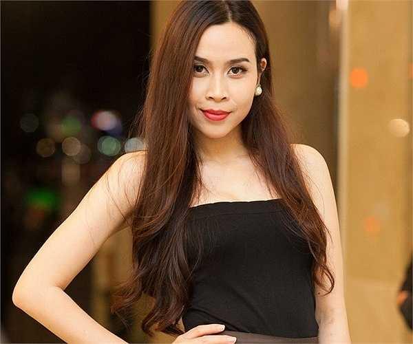 Cứ đà này, Lưu Hương Giang sẽ sớm trở thành biểu tượng thời trang của showbiz