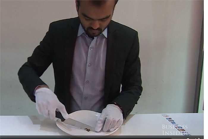Nấm cục đắt tiền có giá hàng triệu đồng/kg được nghiền nhỏ cho vào ly kem